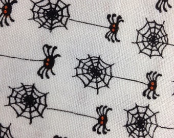 Timeless Treasures - Fat Quarter cut of Spiders and Webs Kidz-C3371-White