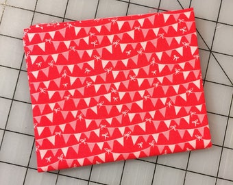 Tree Party - FAT QUARTER cut of Banner in Red - Riley Blake Designs by Kelly Panacci - C5095-RED