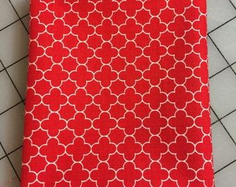 Riley Blake - FAT QUARTER cut - Mini Quatrefoil in Red-  100% cotton