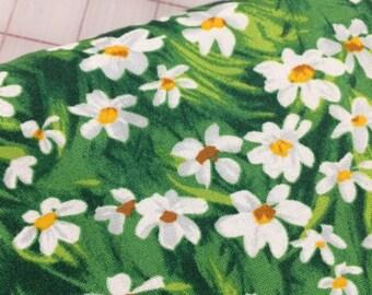HALF YARD cut of Meadow Daisy in Green
