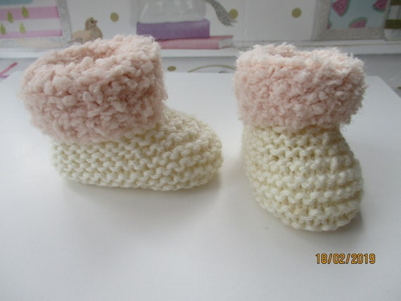 0-3 months Hand Knitted Baby Booties