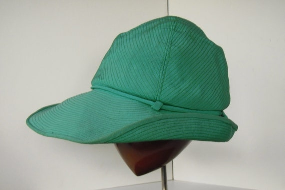 VERY Chic 70s or 40s Wide Brim Green SUMMER Hat