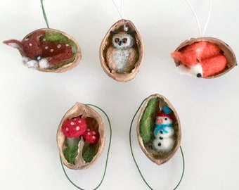 friends in nutshells, christmas ,tree decoration,walnut ,christmas ornaments, wall-hanger,  needle-felted, Waldorf , ecological, giftwrapped