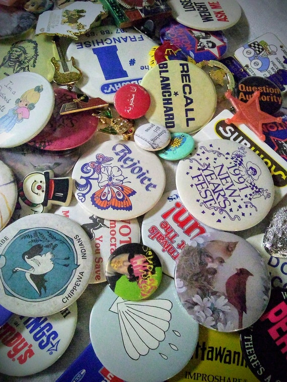 Super Mystery Mixed Lot Vintage Buttons and Pins -