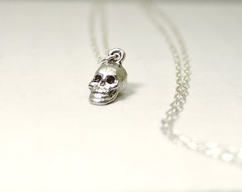 Skull necklace - silver - minimal edgy Halloween