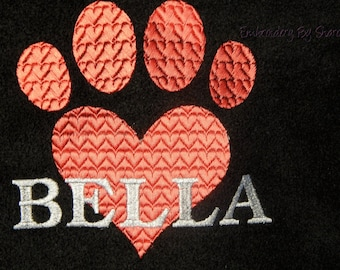 Personalized Dog Blankets- Large Size Dog Blankets - Fleece Dog Blankets - Snuggle with your dog !, Pet Blankets, Monogrammed dog Blankets