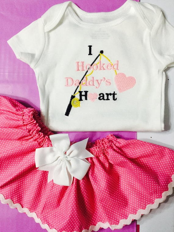 Personalised Baby Vest Bodysuit I Hooked Daddy/'s Heart Fathers Day Baby Gifts