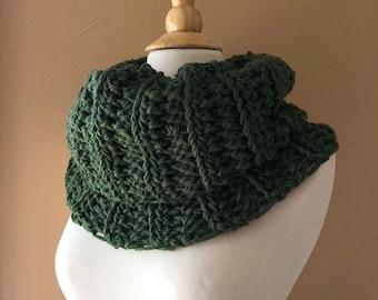Crochet Pattern // The Sassenach Cowl Pattern