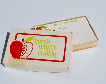 Vintage Recipe Cards: Box of Current Apple Recipe Cards