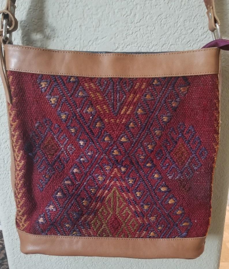Vintage Handbag Top HandleVintage Carpet BagVintage Shoulder image 0