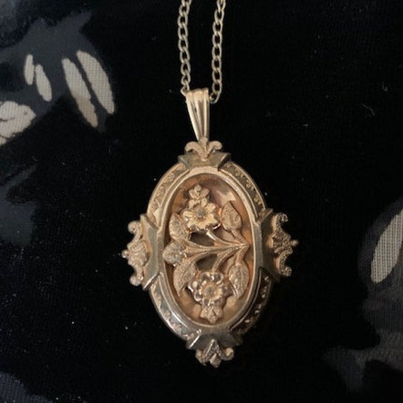 "Gold ""vermeil"" gilt Victorian Pendant and Chain"