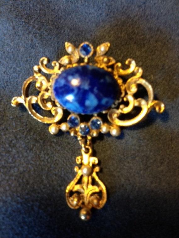 Elegant Vintage Brooch Pin