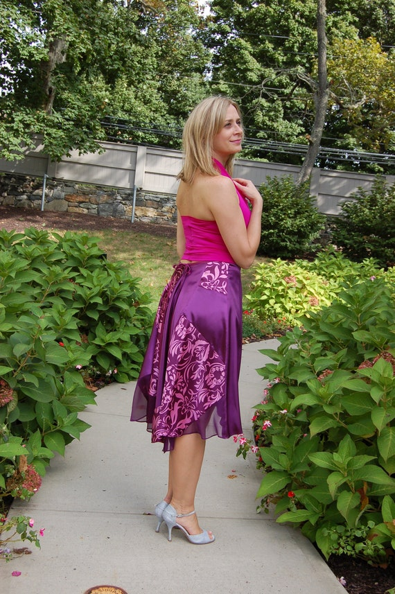 NEW ARRIVAL! Argentine Tango Satin Skirt Madame Monica. Excellent for Milongas, Festivals and Tango Events. Available in Purple Color.