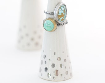 Modern Ceramic Ring Cone Holder Storage Jewelry Organization Display: White w/silver dots