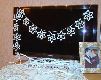 Snowflakes garland, handmade Christmas snowflake ornaments, white lace snowflake, Christmas tree decoration,