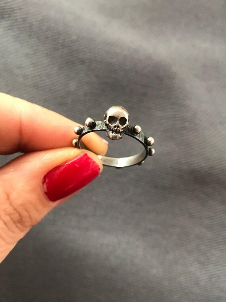 Skull rosary ring