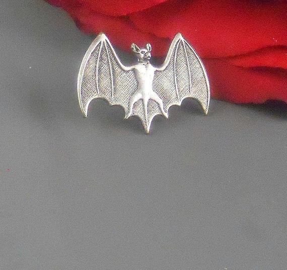3 x Badge Gift Box Halloween Vampire Gothic Bat Handmade Pewter Pin Brooch Set