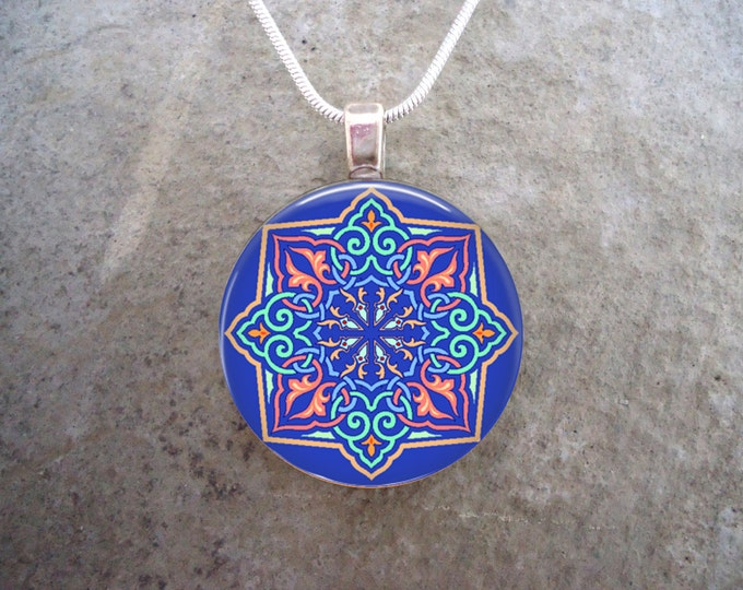 Celtic Jewelry - Glass Pendant Necklace - Celtic Decoration 42
