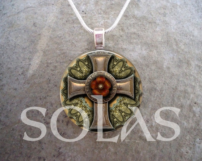 Steampunk Necklace - Glass Pendant Jewelry - Steampunk 1-13