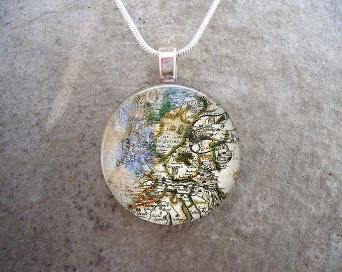 Vintage Map Jewelry - 1 Inch Diameter Glass Pendant Necklace - Fantasy Pirate Cosplay Costume - Free Shipping