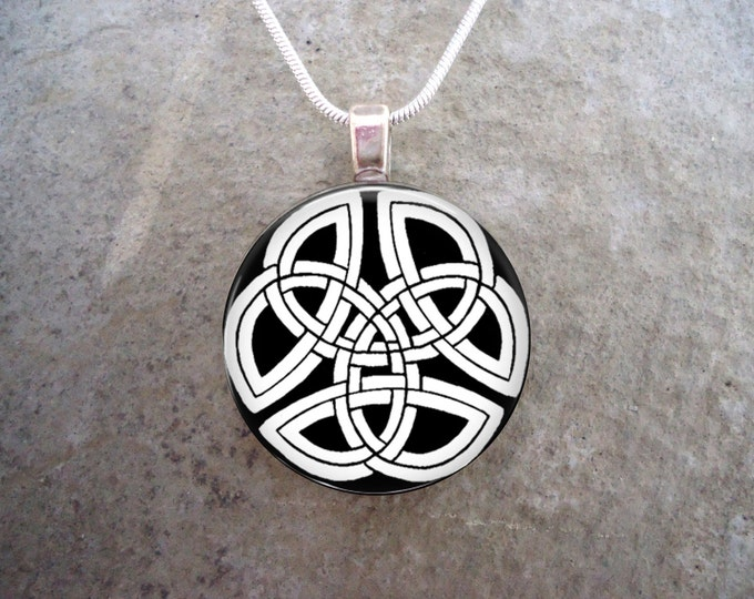 Celtic Jewelry - Glass Pendant Necklace - Celtic Decoration 7