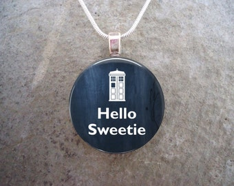 """Doctor Who Jewelry """"Hello Sweetie"""" River Song's Catchphrase - 1 Inch 25mm Diameter Glass Pendant Necklace - Free Shipping - Style DW-HELLO"""