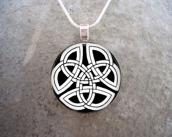 Celtic Jewelry - Glass Pendant Necklace - Free Shipping - Style CELTIC07
