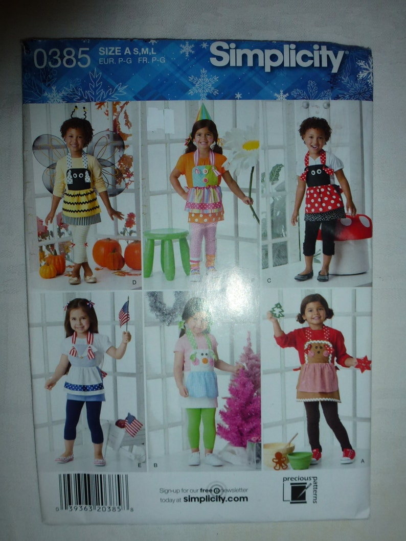 Simplicity Pattern 0385 for Childs/' Apron in Three Sizes  S-M-L