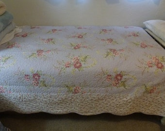 Old Stock RACHEL ASHWELL TWIN Size Quilt  Measures Aprox  86 Inches by 66 Inches