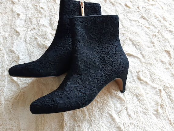 Nanette Lepore black boots / floral tapestry booti