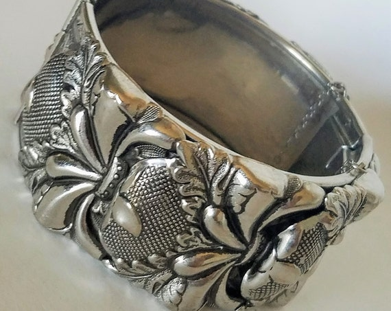 Stunning Designer VARGAS Chunky Repoussé Silver-Tone Hinged Cuff Bracelet With Safety Chain Signed