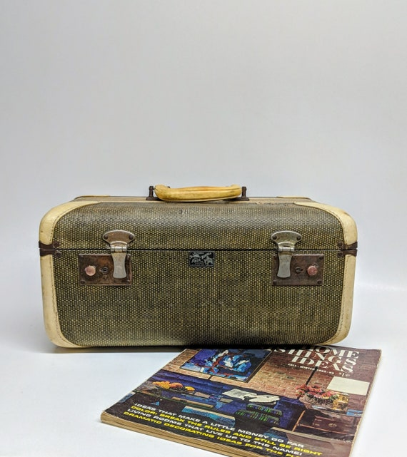Rare Find, Paul Bunyon Suitcase Train Case Vanity Case Cosmetic Case Suitcase Hand Bag Briefcase Overnight Suitcase