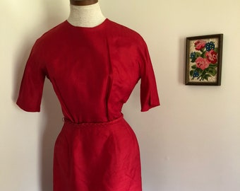 50's 60's Short Sleeved Red Wiggle Dress with Belt XS S