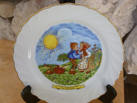 Vintage SCHIRNDING Bavaria Mid Century Heart Plate