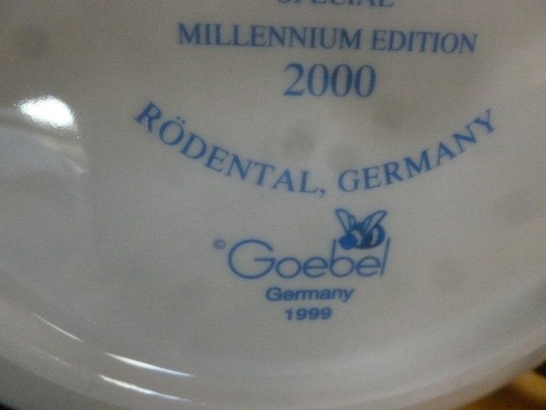 Goebel M J Hummel Star Gazer plate issued 1999 for 2000 NIB