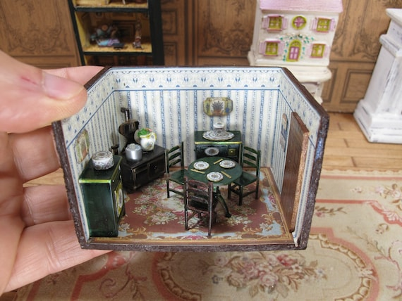 Vintage Miniature Dollhouse Furniture 1//4 1:48 Quarter Lot of 5 Sets 1//48 TINY