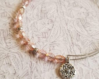 A Touch of Pink - Expandable bangle