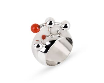 Big statement ring with red carnelian. Geometric silver ring.
