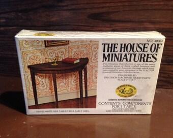 House of Miniatures Vintage , NIB SEALED #40004 Side Table