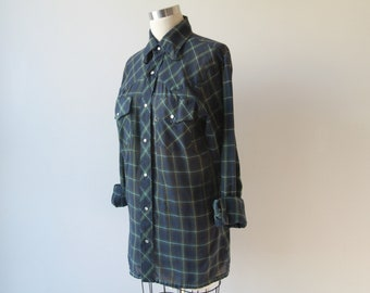 62fc29351af19 1970s Classic Plaid Levis Snap Front Shirt   Vintage 70s Black Blue and  Green Plaid Snap Button Blouse