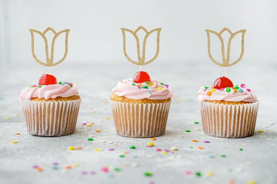 Tulip Cupcake Toppers - Bachelorette Party. Engagement Party. Tea Party. Garden Party Decor. Floral Cupcake Toppers. Spring Cupcakes.