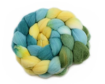 Roving - Handpainted Roving - Seaside - Targhee Wool - 4 Ounces