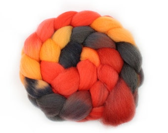 Roving - Handpainted Roving - Flame - Falkland Wool - 4 Ounces