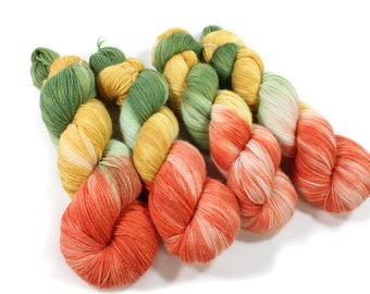 Hand dyed yarn - Corriedale Wool - hand dyed fingering weight yarn - 400 yards - Sock Yarn - fingering weight yarn - Natural