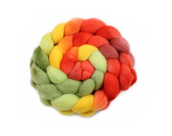 Hand Painted Roving - Dyed Roving - Hand dyed roving - Poppy - 100% Merino wool -  4 Ounces