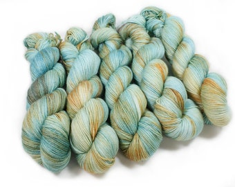 Hand dyed Yarn - Hand painted yarn - dyed yarn - hand dyed fingering weight yarn - 400 yards - fingering weight yarn - Shoreline