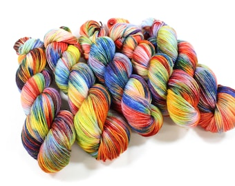 Hand dyed yarn - Corriedale Wool -  hand dyed fingering weight yarn - 400 yards - Sock Yarn - fingering weight yarn - Color Wheel