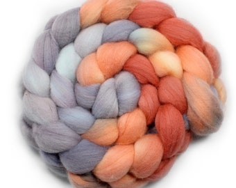 Hand Painted Roving - Dyed Roving - Hand dyed roving - Orange Mist  - 100% Merino wool - 21.5 Microns µm, 4 Ounces