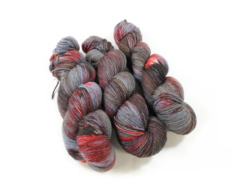 Hand dyed yarn - Corriedale Wool -   - hand dyed fingering weight yarn - 400 yards - Sock Yarn - fingering weight yarn - Murderino