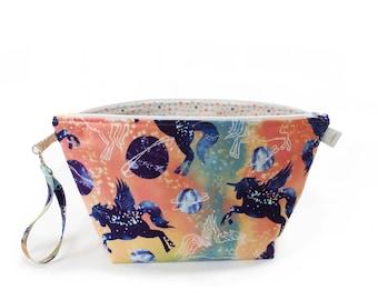 Project Bag - Knitting Project Bag - Yarn Bag - Cosmetic Bag - Bag with Divider - Zipper Project Bag - Pegasus